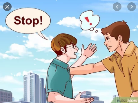 Pick On là gì và cấu trúc cụm từ Pick On trong câu Tiếng Anh